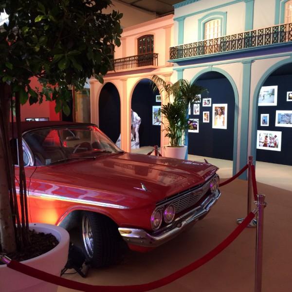 Viva Cuba facáade avec voiture